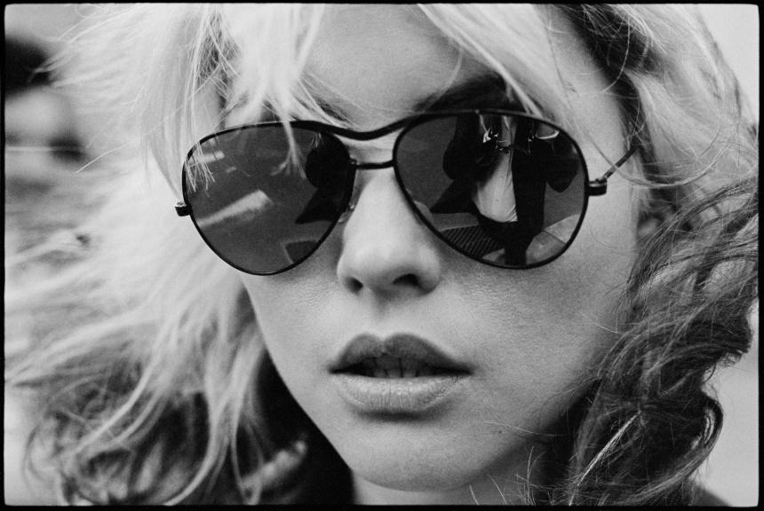 Debbie Harry em 1975, por Chris Stein