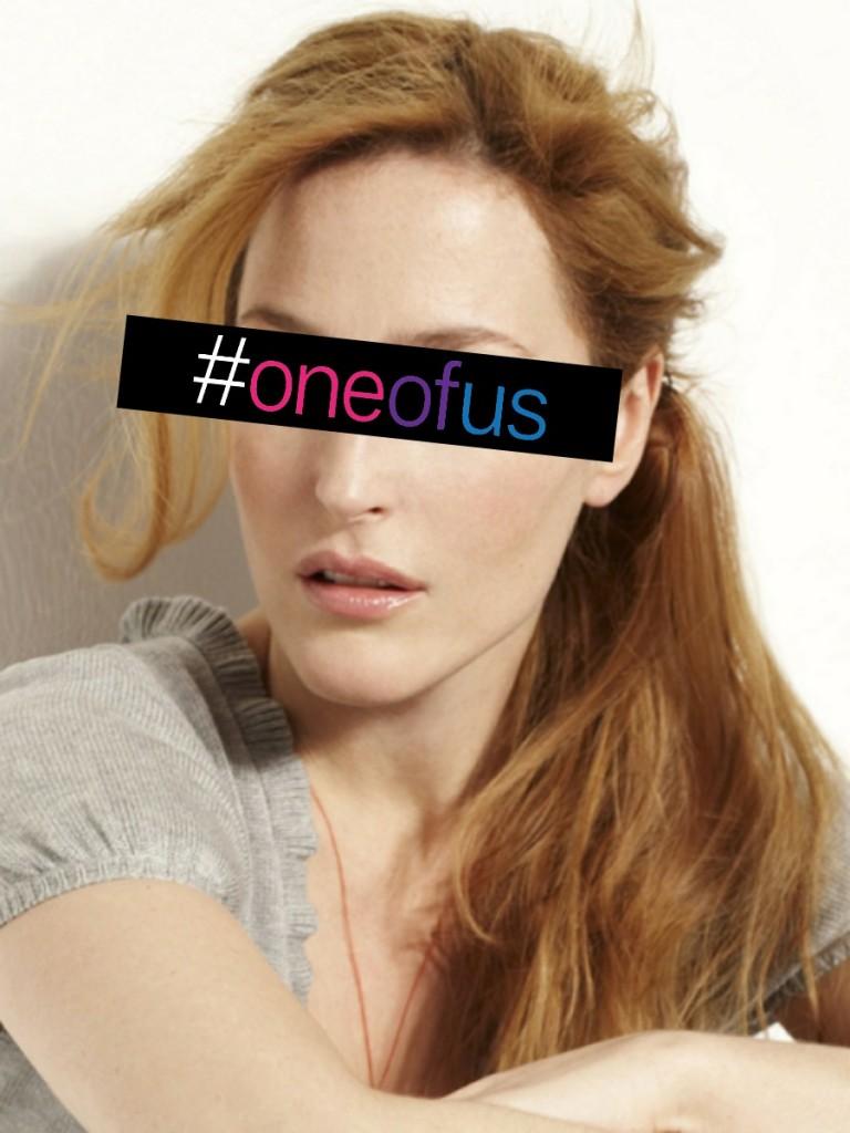 """Gillian Anderson - Scully quer acreditar... """"Para mim, um relacionamento é sobre amar outro ser humano; o gênero é irrelevante"""""""