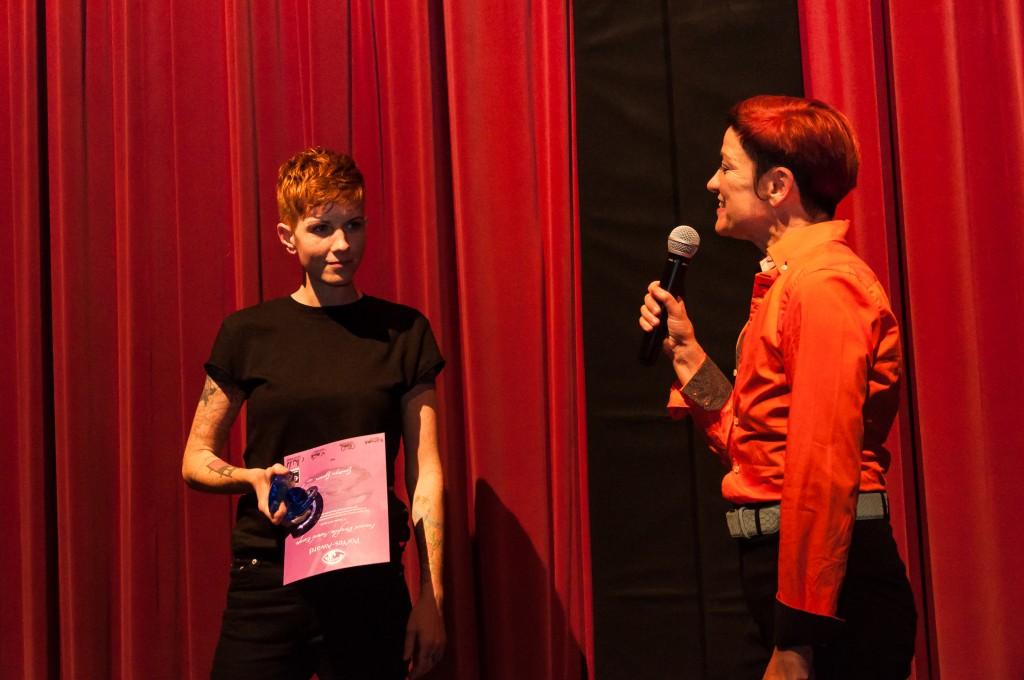 Goodyn Green ganha prêmio por tematizar androginia em seus projetos