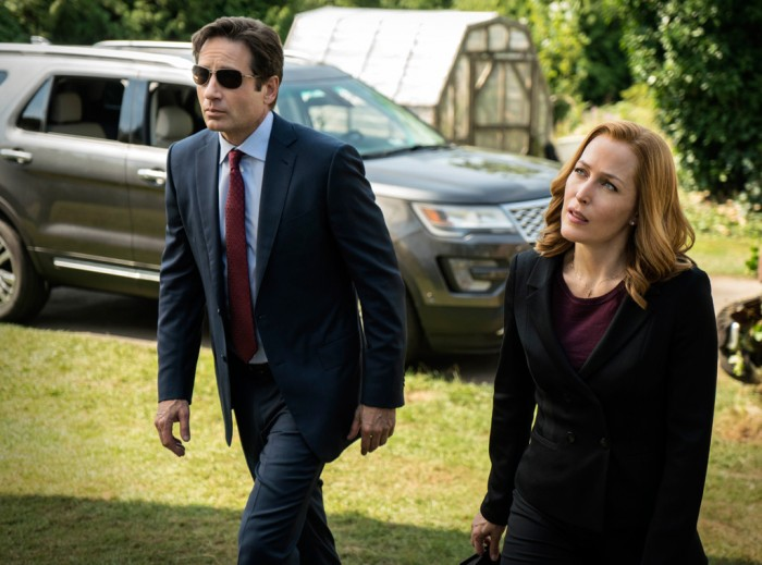 rs_1024x759-160112081955-1024.the-x-files-mulder-scully-5.ch.011216