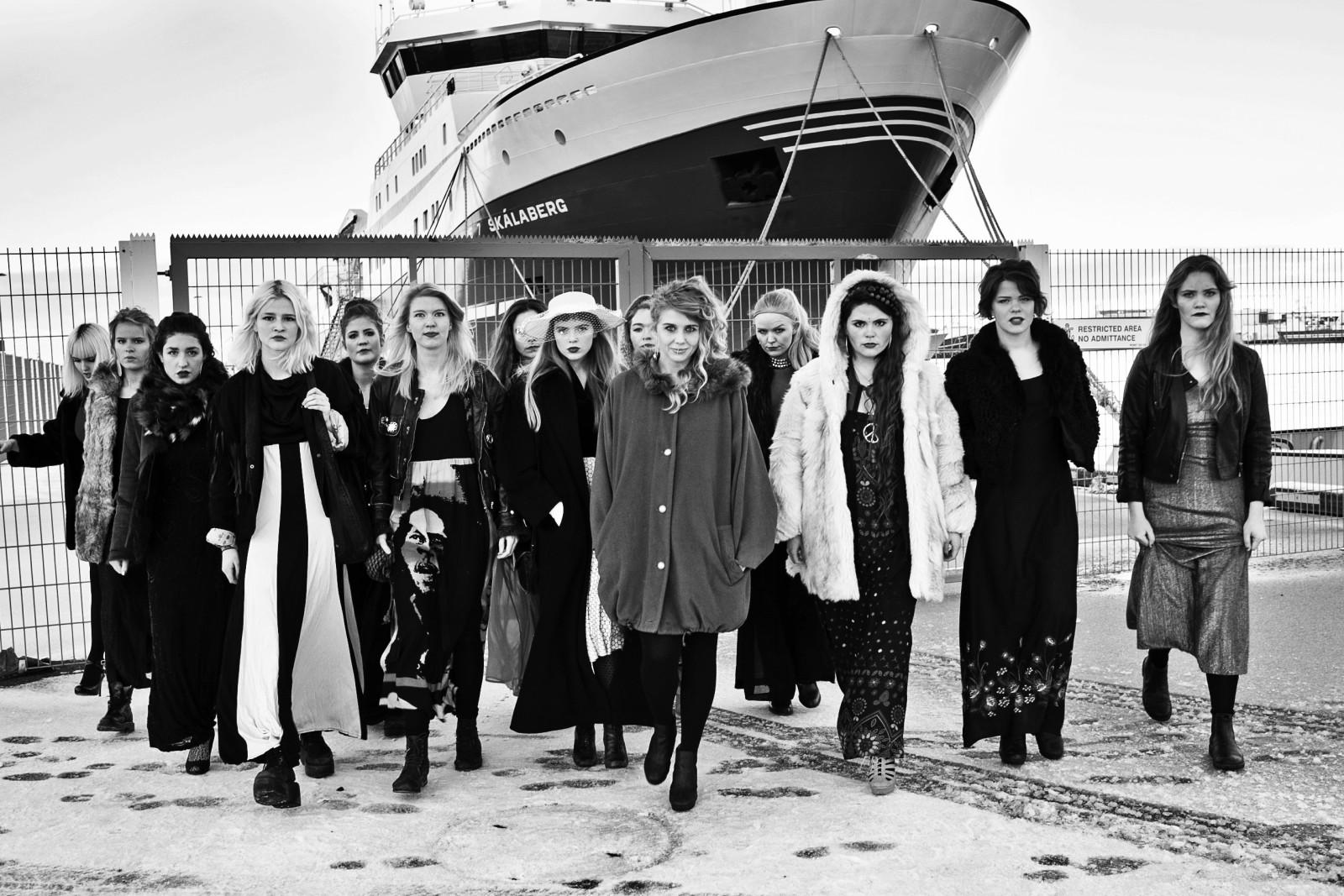 As integrantes do grupo de rap feminista Reykjavíkurdætur (via)